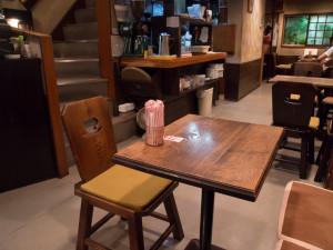 喫茶ルオー 椅子とテーブル