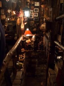 さぼうる 半地下への階段